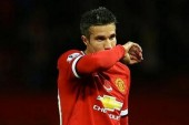 Van Persie aiming to be back for derby
