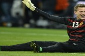 Anders Lindegaard gets a Victor Valdes makeover with haircut