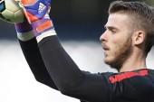 Neville urges Man Utd to tie down De Gea