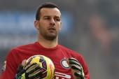 Man United make Handanovic inquiries