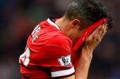 Van Persie wants Man United stay – report