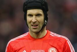 Fans' view: Lloris or Cech?