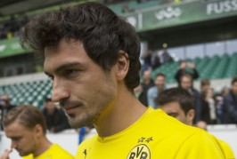 Dortmund confirm Hummels wants to stay